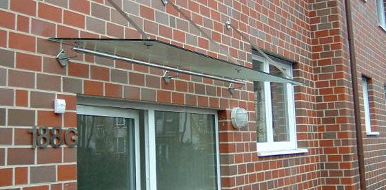 Vordach aus Stahl und Glas, von Metallbau Schäpers in Dorsten